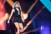 Taylor Swift rompe en llanto en juicio por agresión sexual
