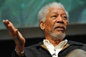 Susto para el actor Morgan Freeman a bordo de su avión