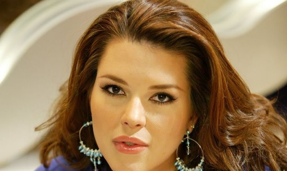 Alicia Machado. INTERNET / END