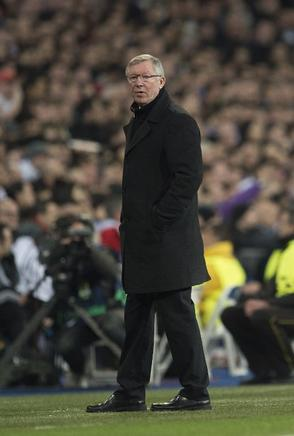 Sir Alex Ferguson, muy atento. AFP / END