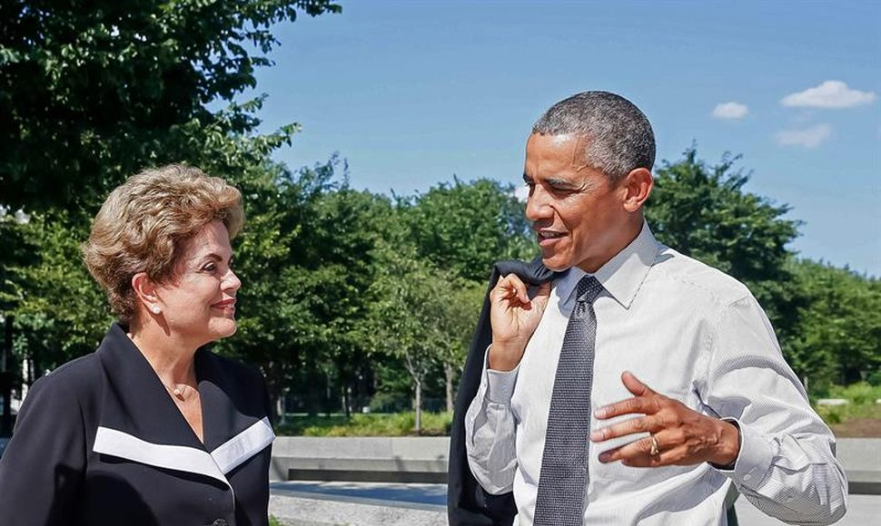 Dilma Rousseff y Barack Obama, durante su visita al monumento a Martin Luther King Jr.