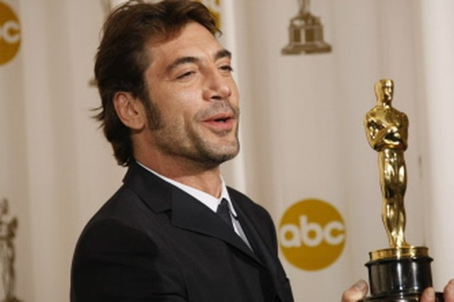 Javier Bardem es el primer actor español en recibir el Oscar, por su papel de reparto en la saga criminal de Joel y Ethan Coen ''No Country for Old Men''