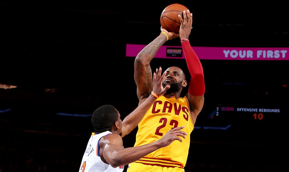 LeBron James logró su triple-doble 42.