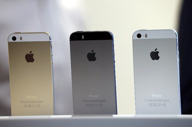 Así son los colores del iPhone 5S. AFP / END