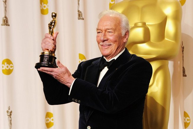 Christopher Plummer, ganador del premio al Mejor Actor Secundario por 'Beginners'. AFP / END