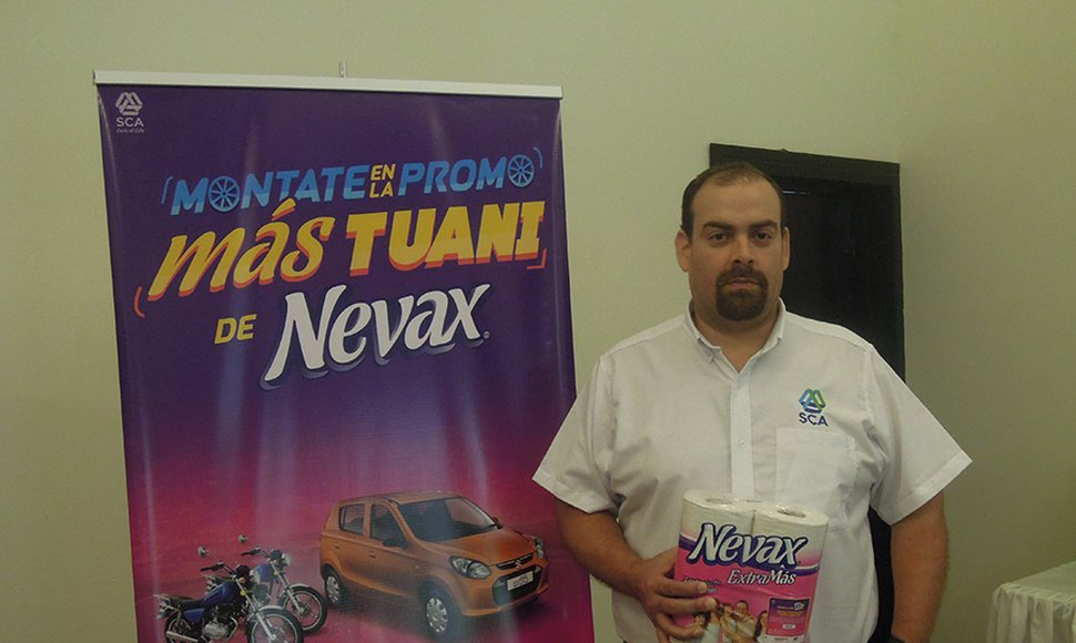 Reynaldo Munguía, coordinador de Trade Marketing de la marca Nevax.
