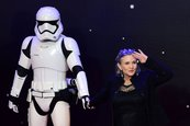 Hollywood reza por Carrie Fisher, Leia en Star Wars, que lucha por su vida