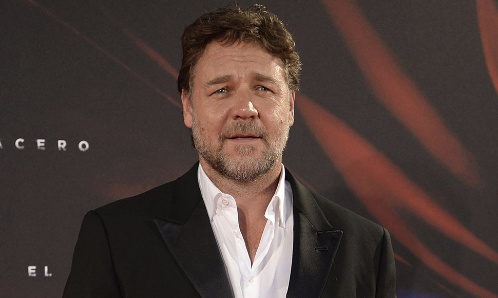 Russell Crowe. INTERNET/ END