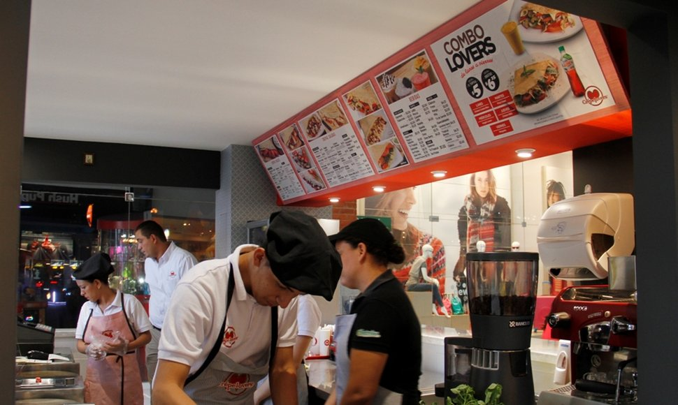 El local sigue ofreciendo su servicio en el food court.