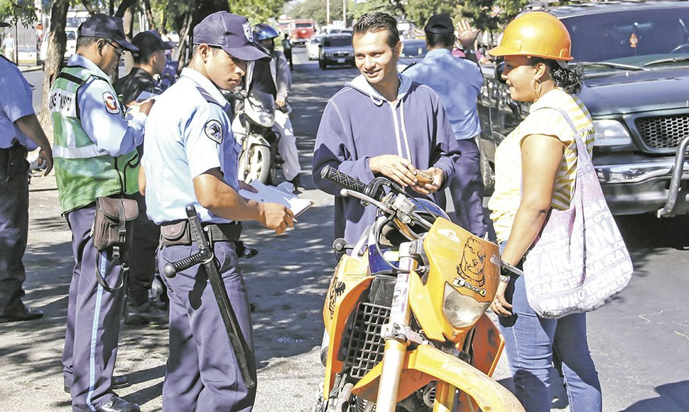 Los motociclistas son los más vulnerables en los accidentes.