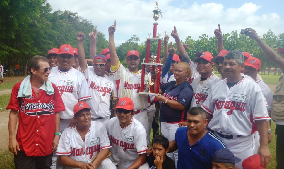 MANAGUA, CAMPEÓN de softbol modificado.