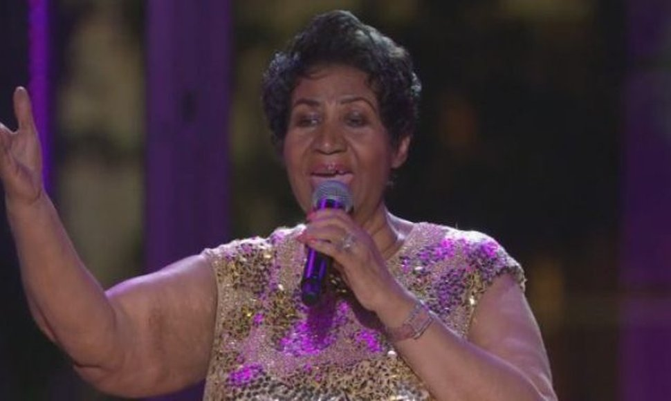 Aretha Franklin interpretando Purple Rain de Prince.