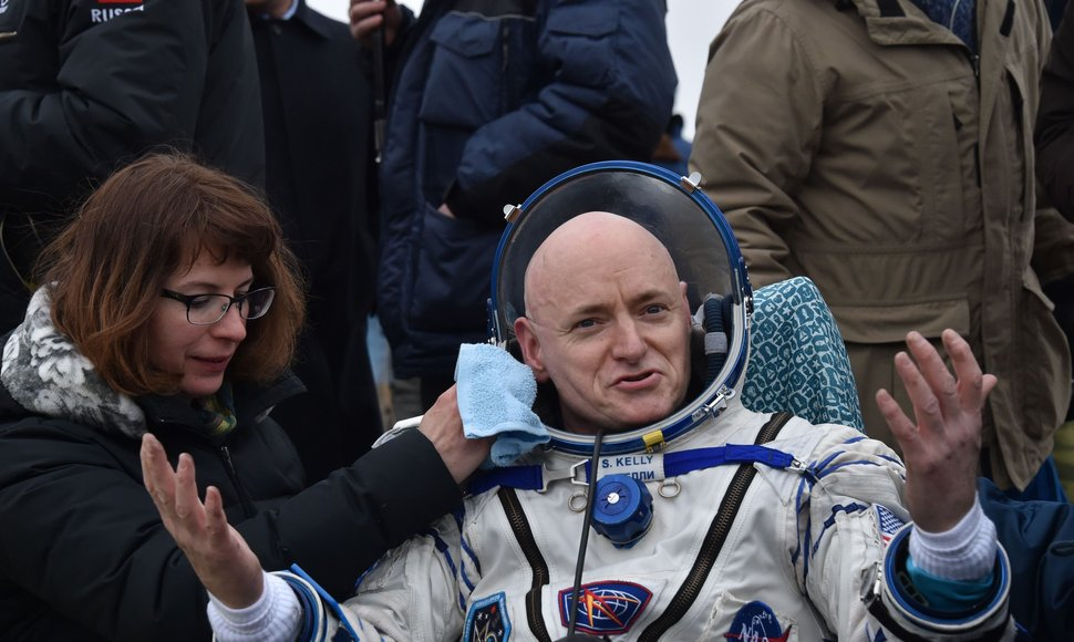 Scott Kelly.