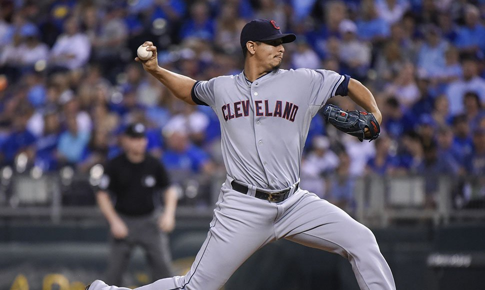 Carlos Carrasco blanqueó a Kansas City.