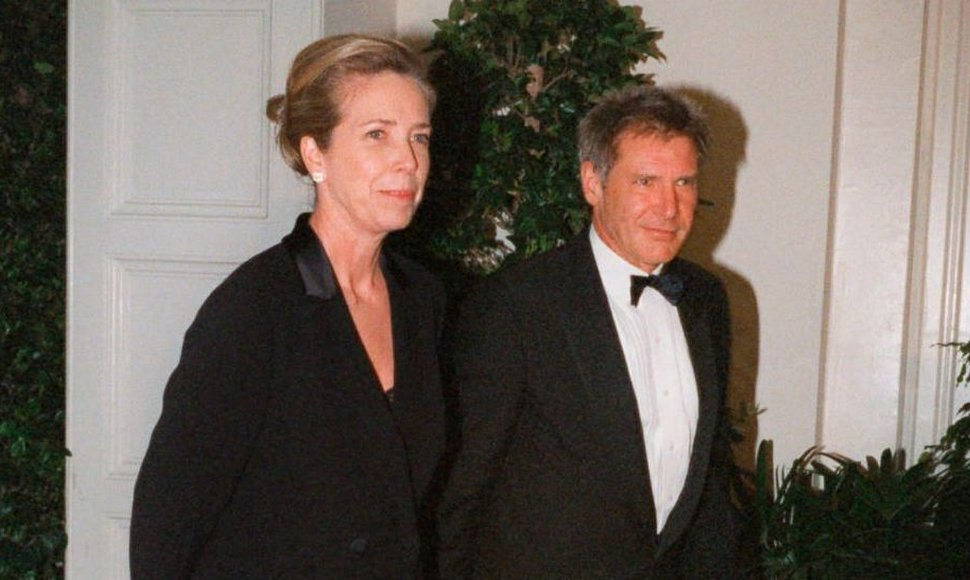 Melissa Mathison y Harrison Ford. CORTESÍA ABC