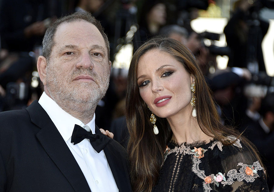 Harvey Weinstein (i) y su esposa Georgina Chapman. EFE/END