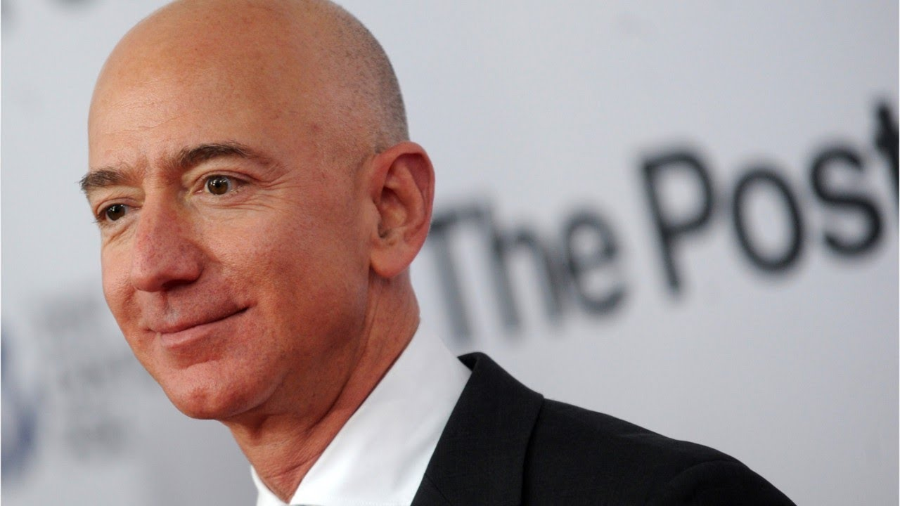 El fundador de la firma Amazon, Jeff Bezos