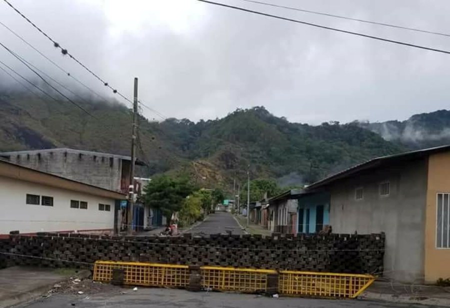 Una barricada en Jinotega. Francisco Mendoza/END