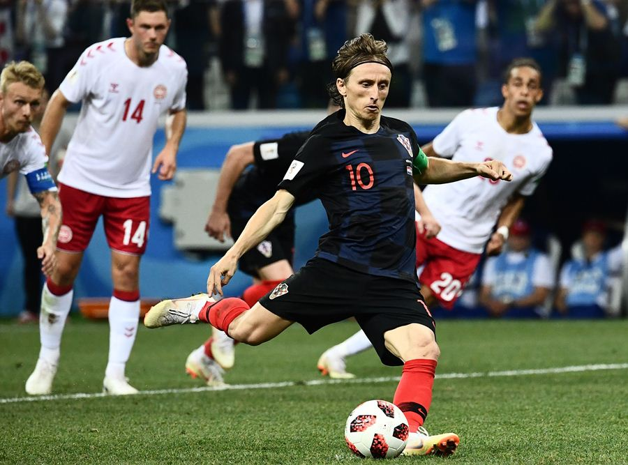 Luka Modric al disparar un penal. AFP/END