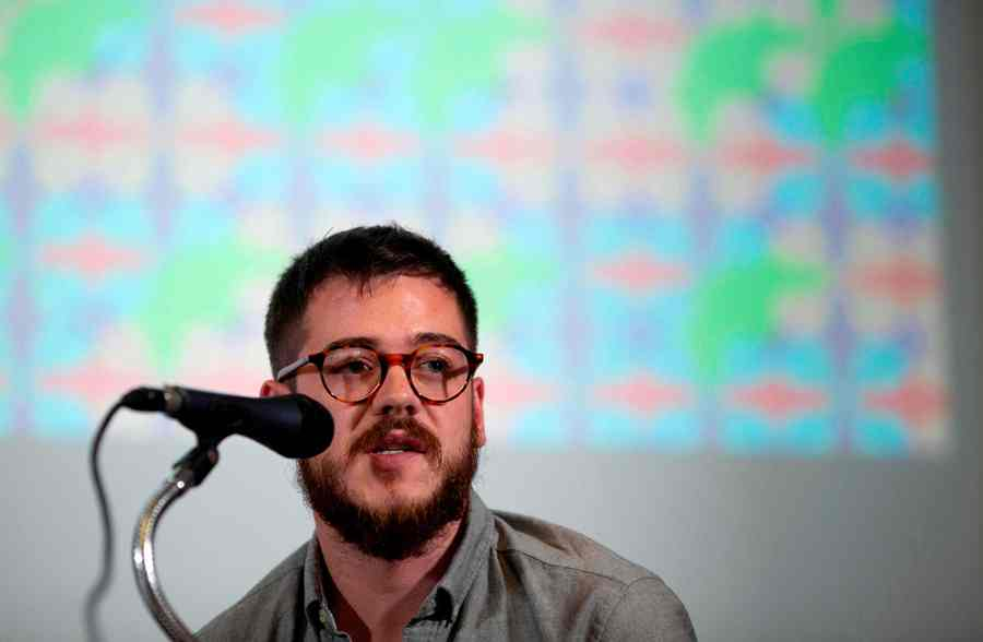 Productor del museo queer. END/AFP.