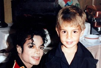 Condenan fans de Michael Jackson nuevo documental