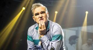 Cantante Morrissey  defiende a Kevin Spacey