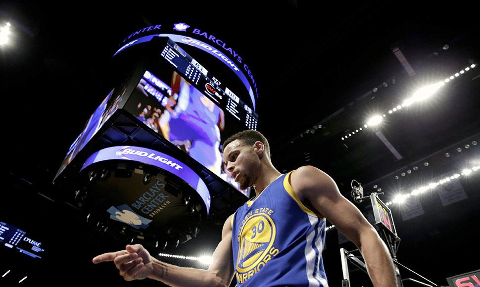 Stephen Curry y los Warriors regresaron a casa con un lujoso récord de 24-1.