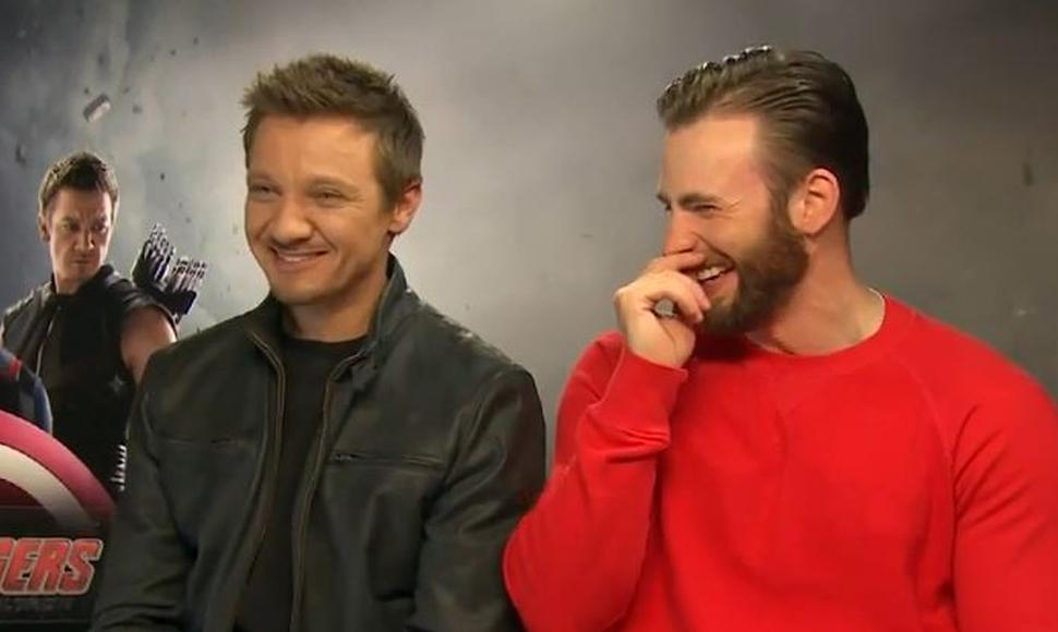 Chris Evans y Jeremy Renner. CAPTURA DE PANTALLA / END