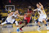 Curry y los Warriors aplastan a Rockets en inicio de playoffs del Oeste