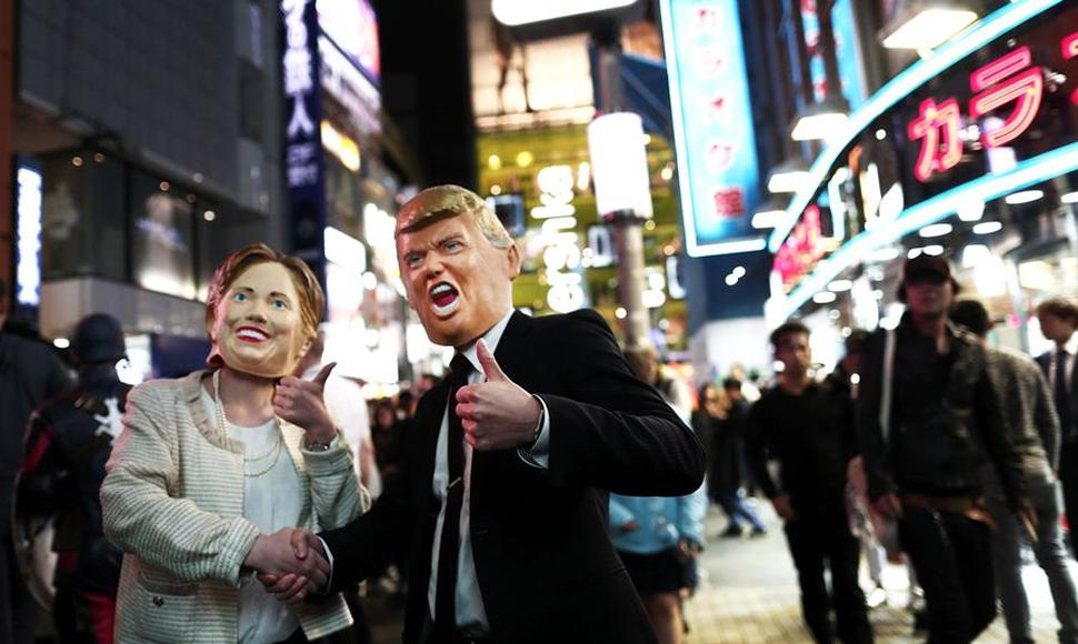 Disfraces de Donald Trump y Hillary Clinton.