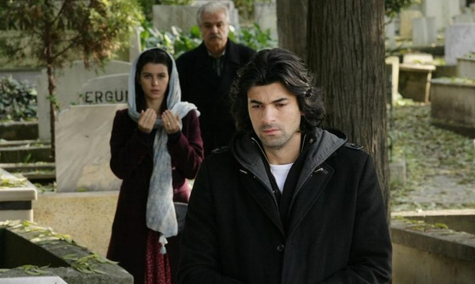 "Engin Akyurek, right, and Beren Saat star in ""Fatmagul,"" which drew nearly a million viewers per episode in Spain. (Artesmedia)"