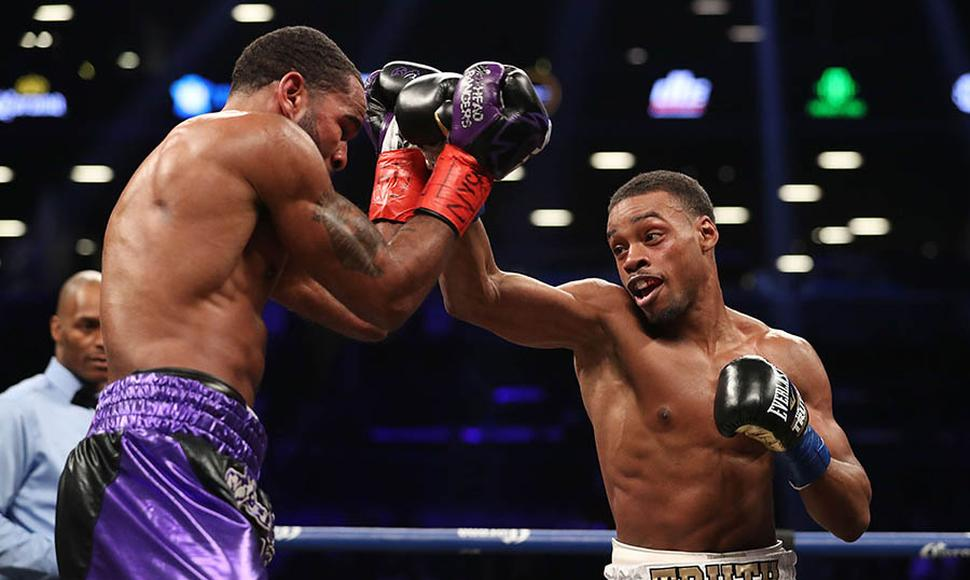 Errol Spence Jr. castigó a Lamont Peterson.