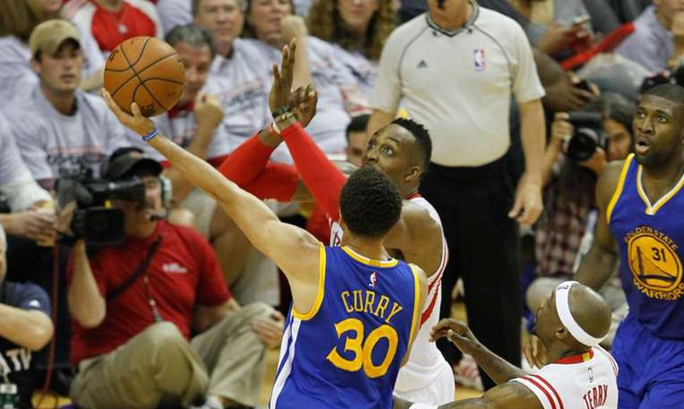 Stephen Curry tiene a Golden State a un paso de la final de la NBA.