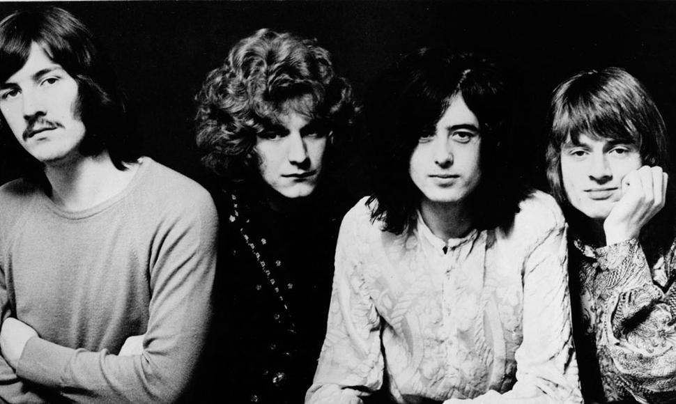 Jimmy Page y Robert Plant, integrantes del legendario grupo británico de rock Led Zeppelin, llegaron a la corte federal de Los Angeles, en California para defender su tema