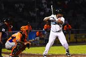 Smith y Marval derriban a los Gigantes