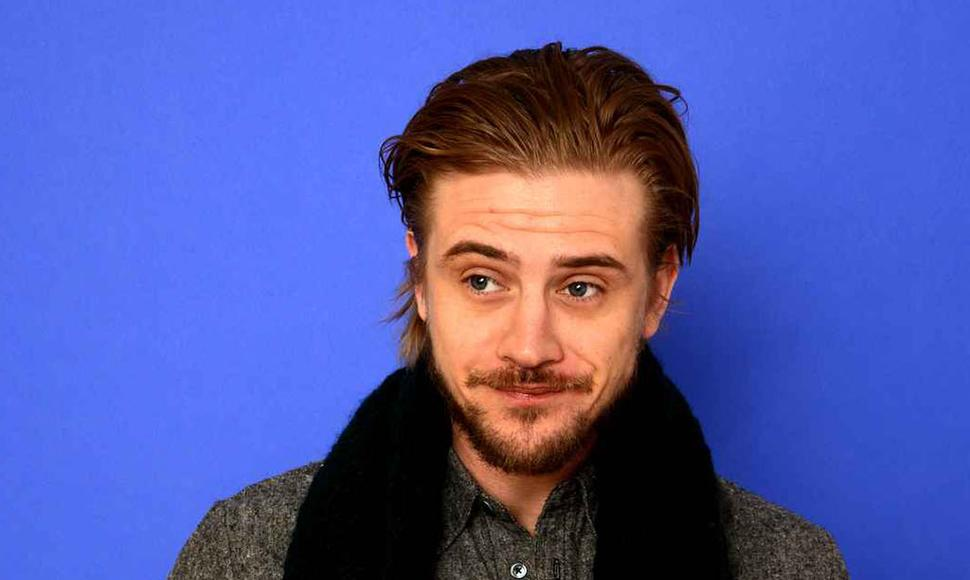 Boyd Holbrook. INTERNET/ END