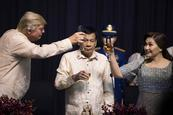 Trump y Duterte se reúnen en Filipinas