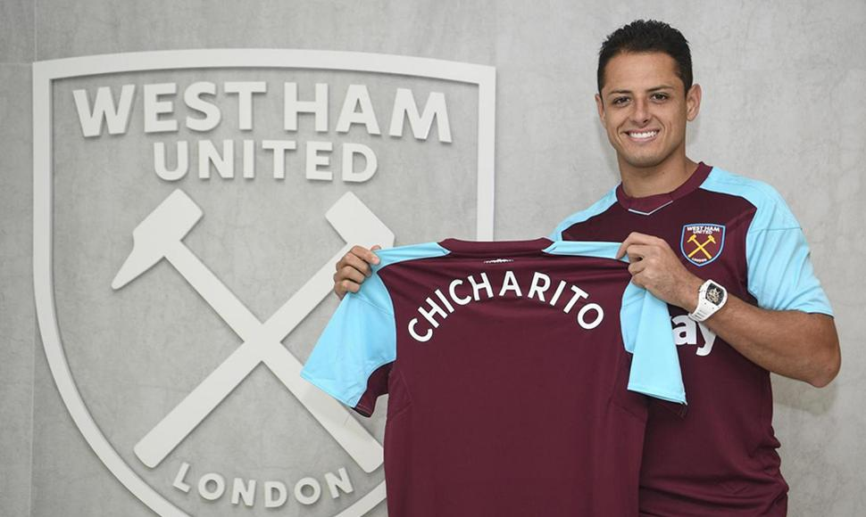 El futbolista Chicharito Hernández regresó a la Premier League.
