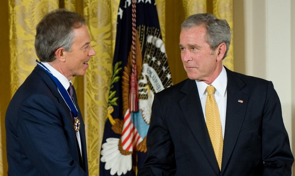 Tony Blair y George W. Bush.