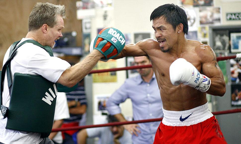 Manny Pacquiao entrena muy intenso.
