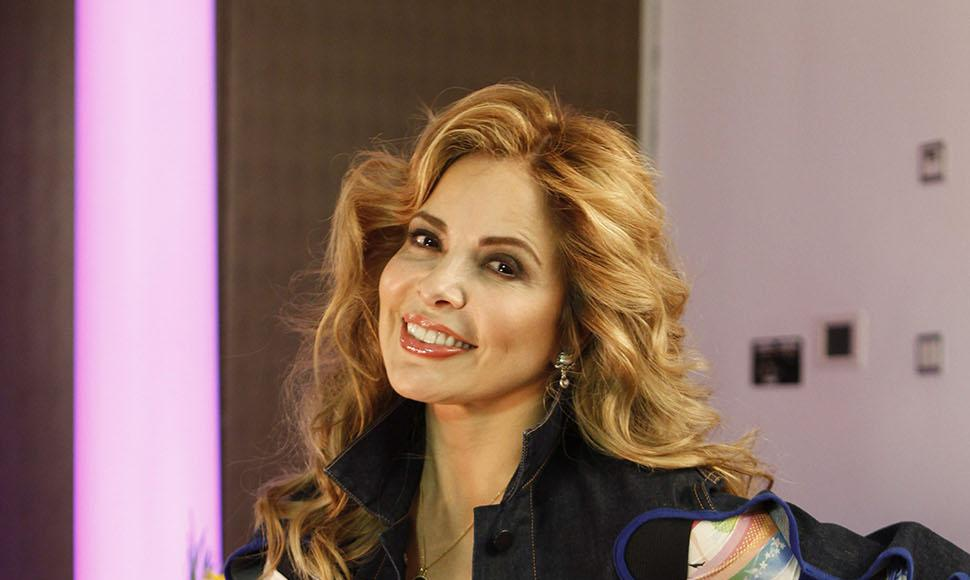 Gloria Trevi. Internet / END