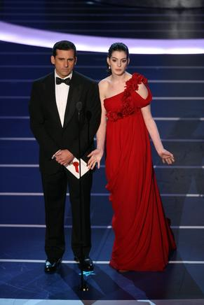 Steve Carell y Anne Hathaway