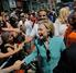 Clinton interrogada por tres horas y media por el FBI