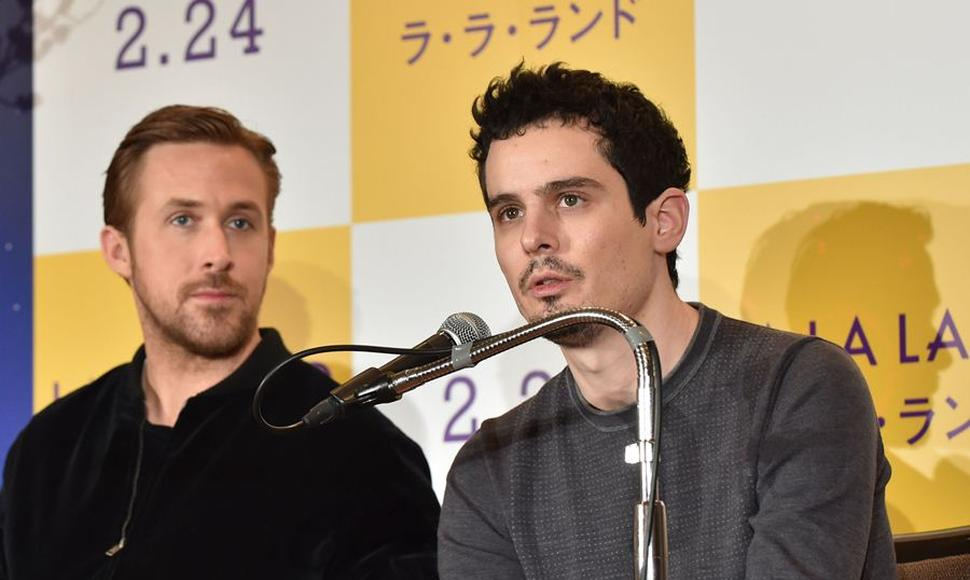El cineasta estadounidense Damien Chazelle y actor canadiense Ryan Gosling.