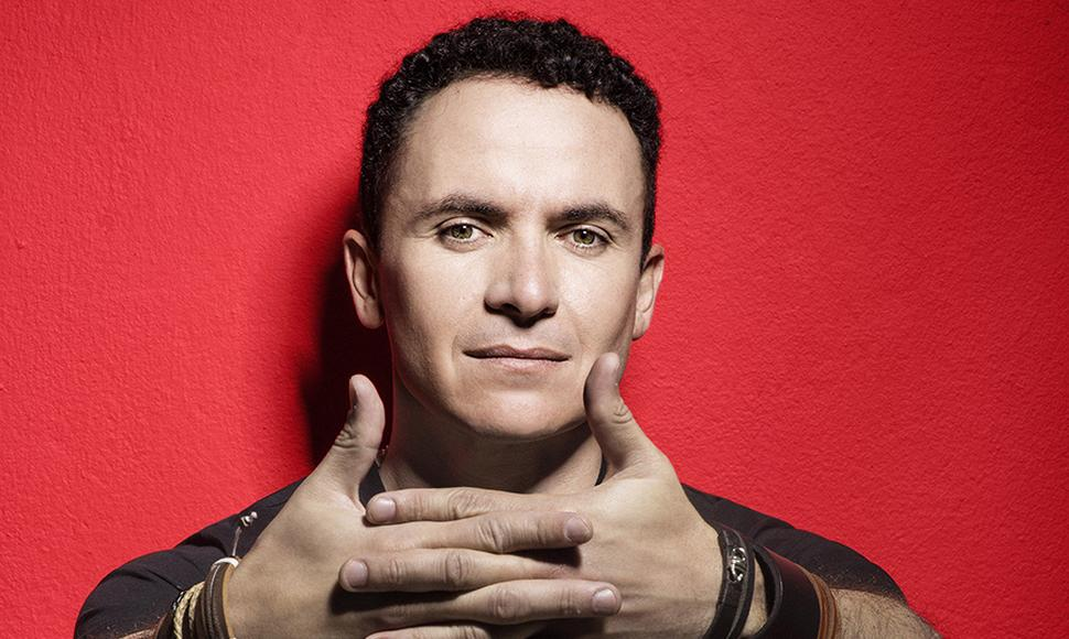 Fonseca, cantante y compositor colombiano.