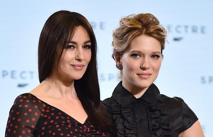 Lea Seydoux (d) y Monica Bellucci (i). AFP / END