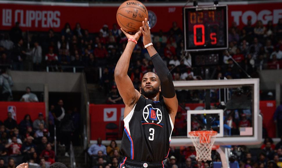 Chris Paul condujo el triunfo de los Clippers.